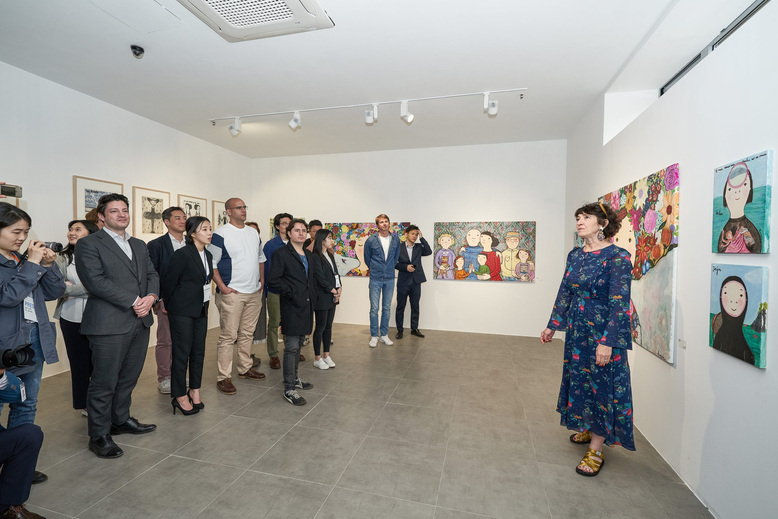 Spanish painter Eva Almerson's picture exhibition and collaboration with JFWF Chef